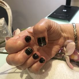 Pebbles Gel Nails